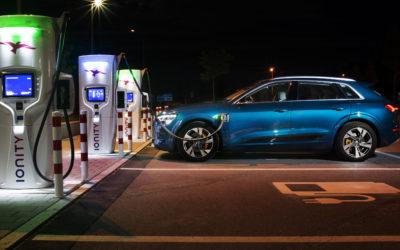 Autostrom an der Autobahn bald so teuer wie Benzin?