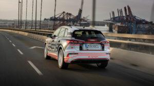 Audi Q4 e-tron in voller Fahrt