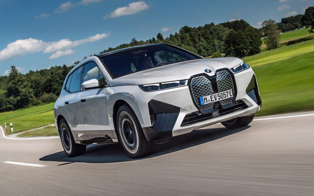 BMW iX xDrive 50 – besser noch als Teslas Model X?