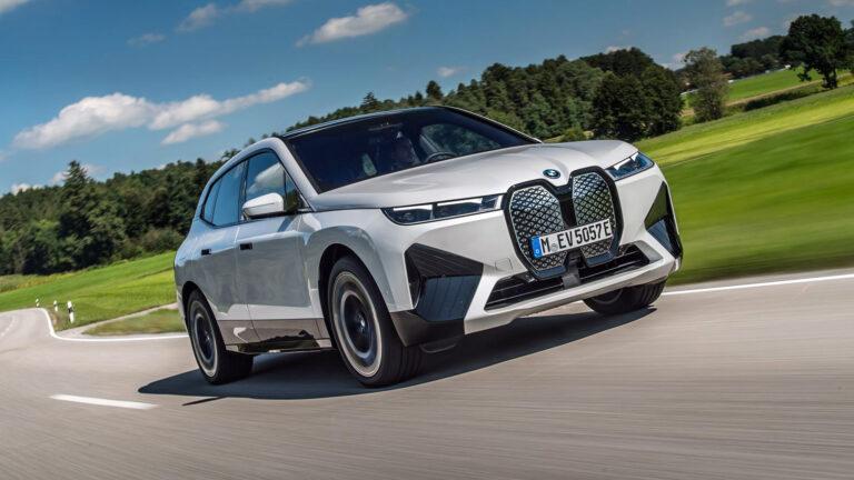 BMW iX xDRive 50 – besser noch als Teslas Model Y?