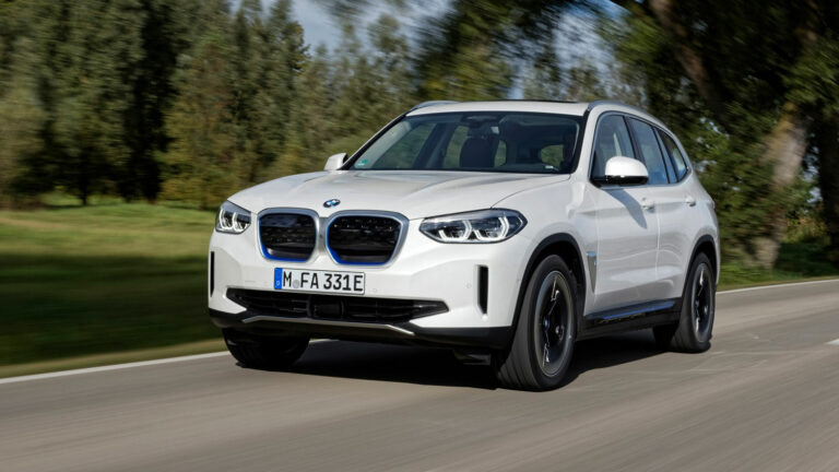 BMW iX3: Immer noch viel Freude beim Fahren