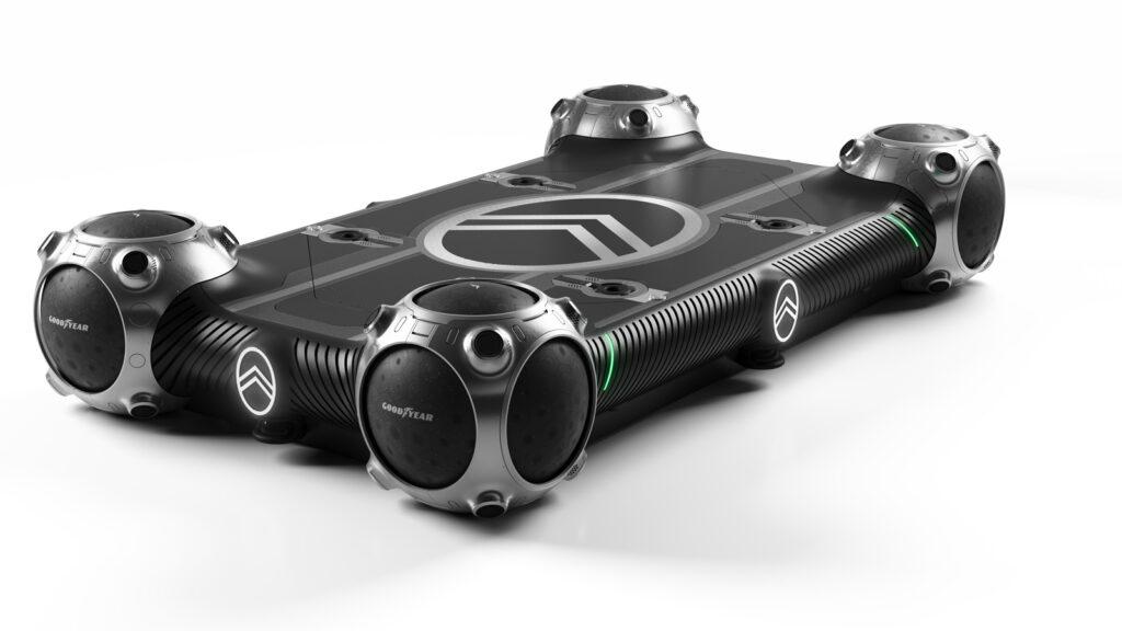 """Elektro-Skateboad mit Kugelrädern Das Radsystem von Goodyear erlaubt es, das """"Skate"""" auf der Stelle zu wenden. Geladen wird der Elektroantrieb induktiv."""