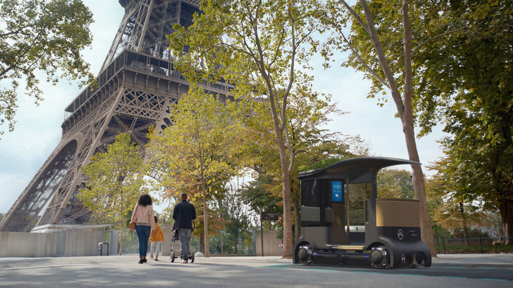 Mit der Elektro-Kutsche zum Eiffelturm  Bei Bedarf werden die Elektrofahrzeuge per App herbeizitiert, um mit ihnen beispielsweise Familienausflüge zu unternehmen.