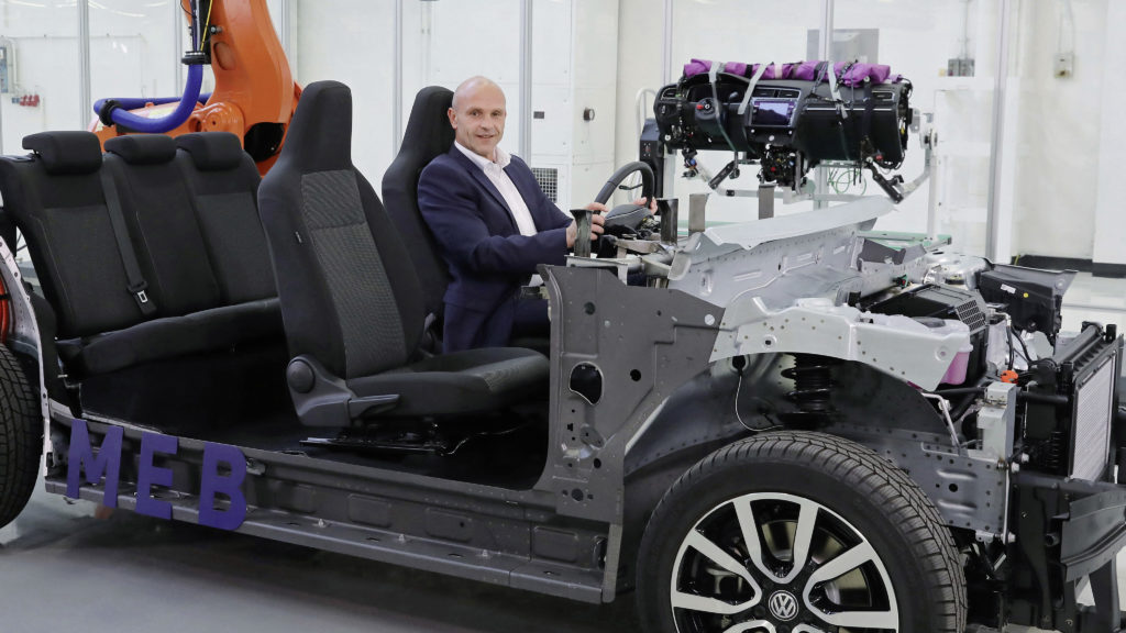 Thomas Ulbrich, Board member e-Mobility, and the ID.chassis.