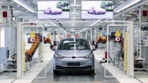 ID3 Produktion bei Volkswagen Sachsen im Werk Zwickau