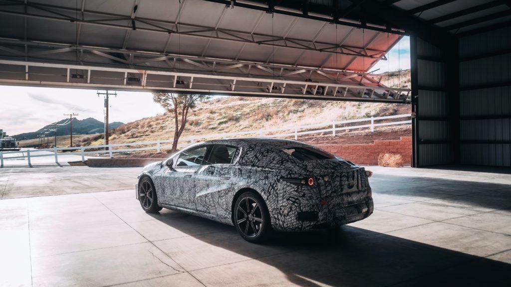 Mercedes-Benz EQS Prototyp auf Erprobungsfahrt