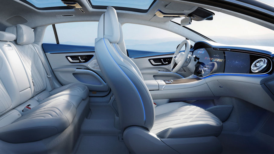 Mercedes gibt den Blick frei in den Innenraum des EQS