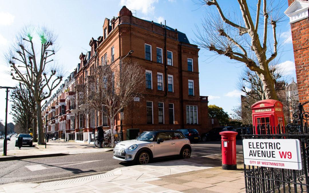 Laden an Laternen geht in London ganz locker