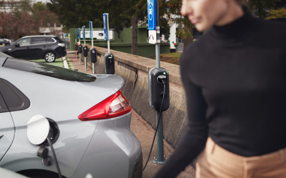 Ladepunkte auf Parkplätzen werden Pflicht