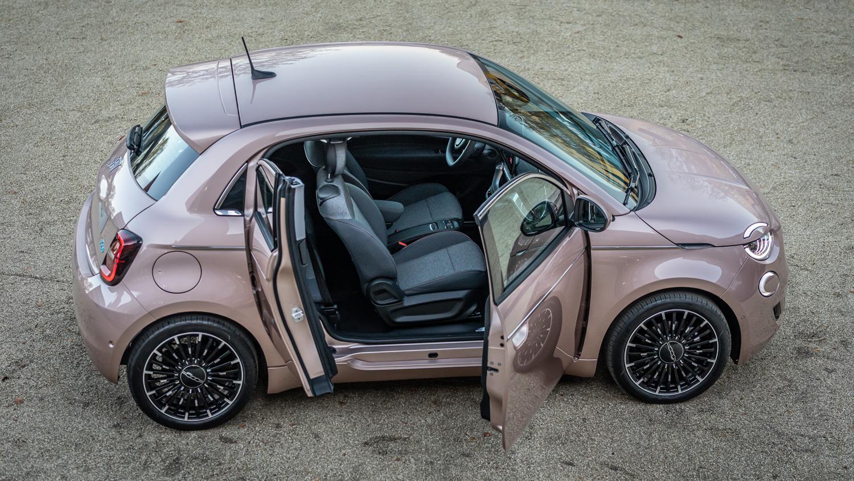 Fiat 500 mit magischer Tür