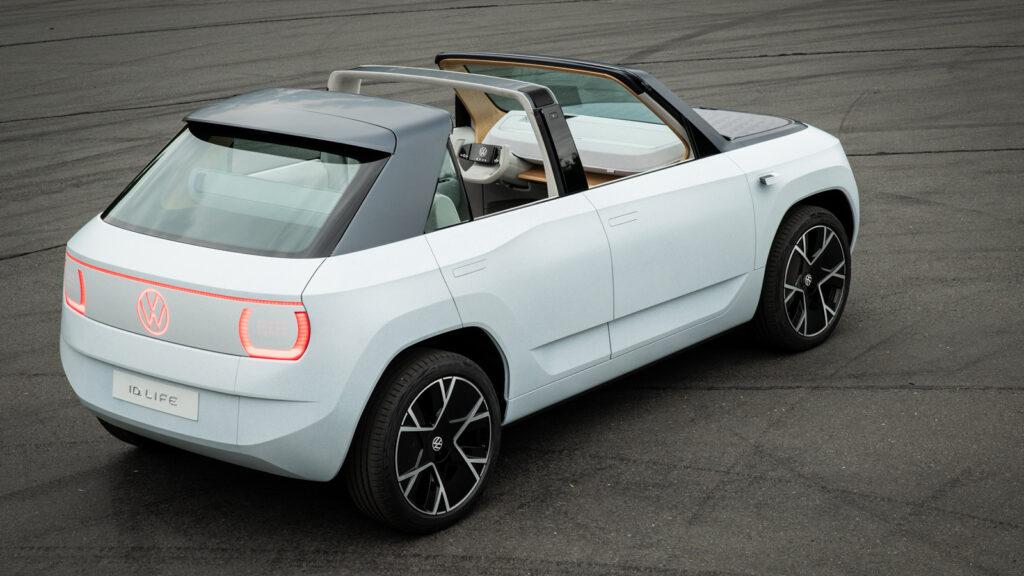 Targa Elektro Die Textilbahnen, die das Dach überspannen, lassen sich außerdem einfach mit einem Reißverschluss entfernen. Foto: VW