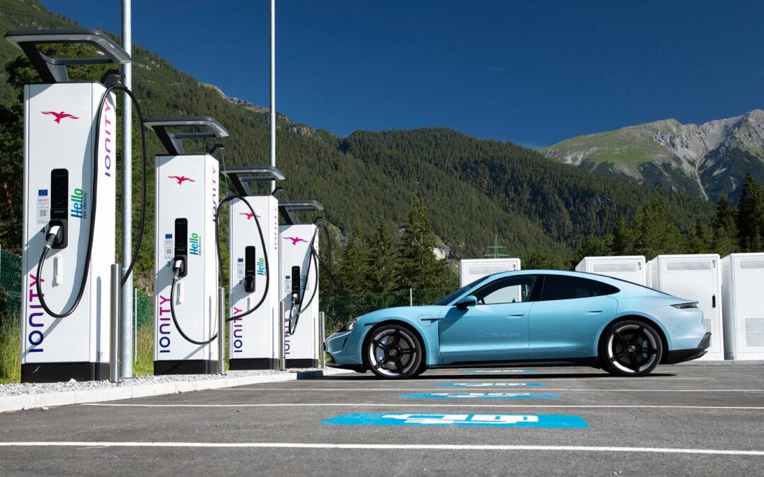 Einfach anstöpseln: Porsche Taycan startet Plug&Charge