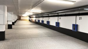 "Parkplätze im Parkhaus des Regensburger Wohnquartiers ""Das Dörnberg"""