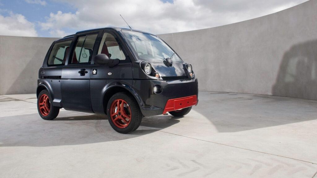 Mia 1.0  Auch ein sportliches Sondermodell des Elektromobils konnte nicht verhindern, dass der Hersteller 2014 in finanzielle Schieflage geriet und nach einer Produktion von 1600 Autos die Produktion einstellen musste. Foto: Mia Electric