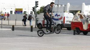 Der X2City von BMW Motorrad in Lissabon.