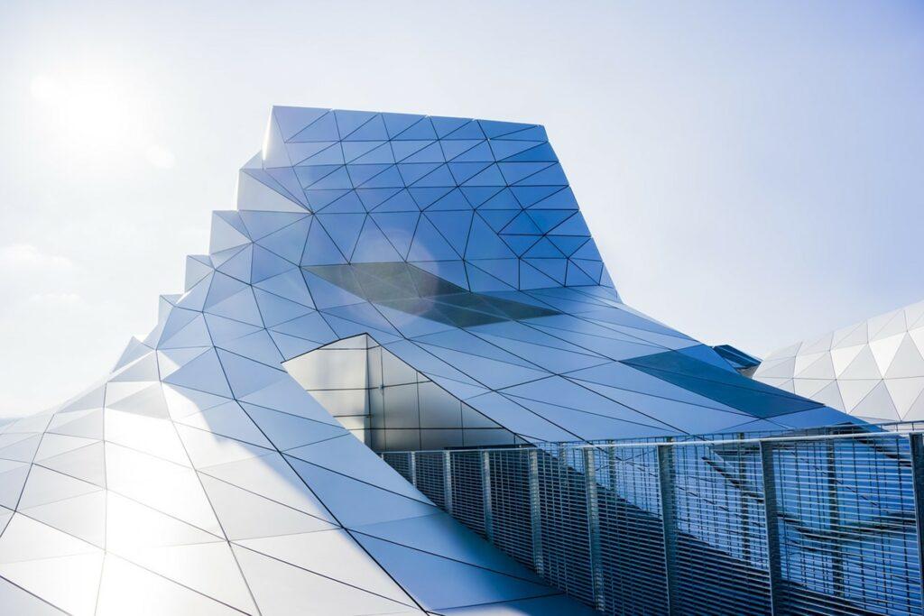 Architektur unter PV-Modulen