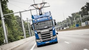 Scania R450 Oberleitungs-Lkw auf der A5-Teststrecke bei Frankfurt