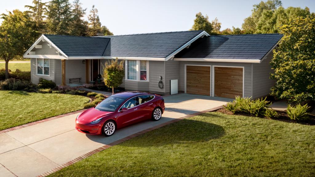Haus mit Solarzellen von Tesla