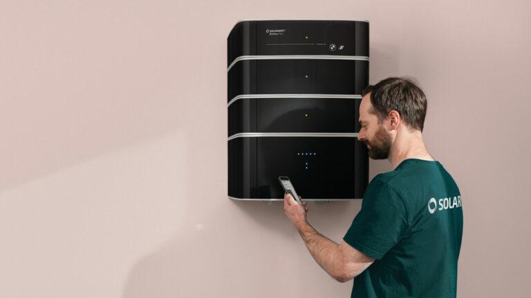 Solarwatt und BMW bauen gemeinsam Batteriespeicher