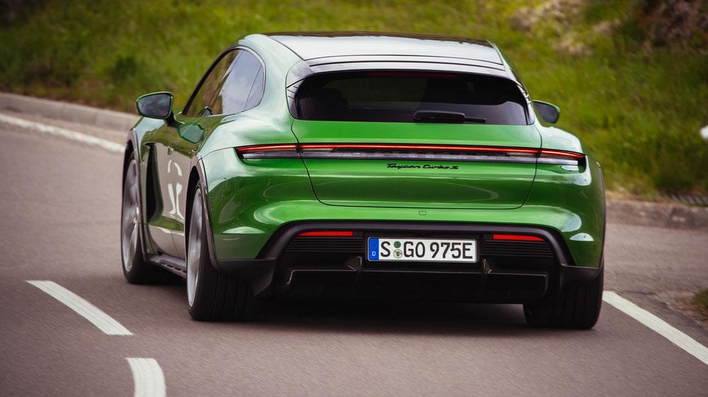 Taycan Cross Turismo: Der  E-Porsche fürs Praktische
