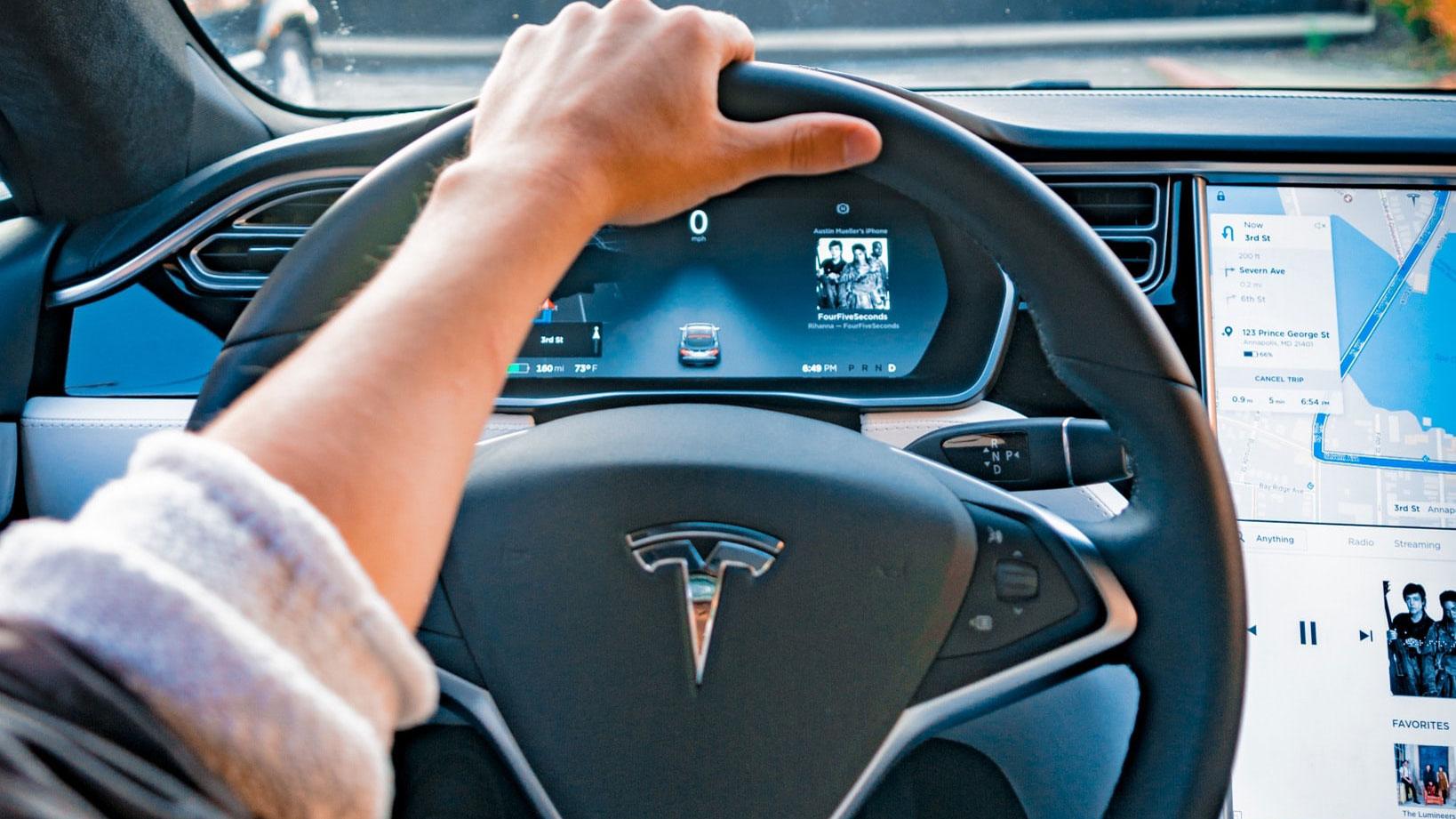 Tesla-Fahrern-droht-ein-Blackout