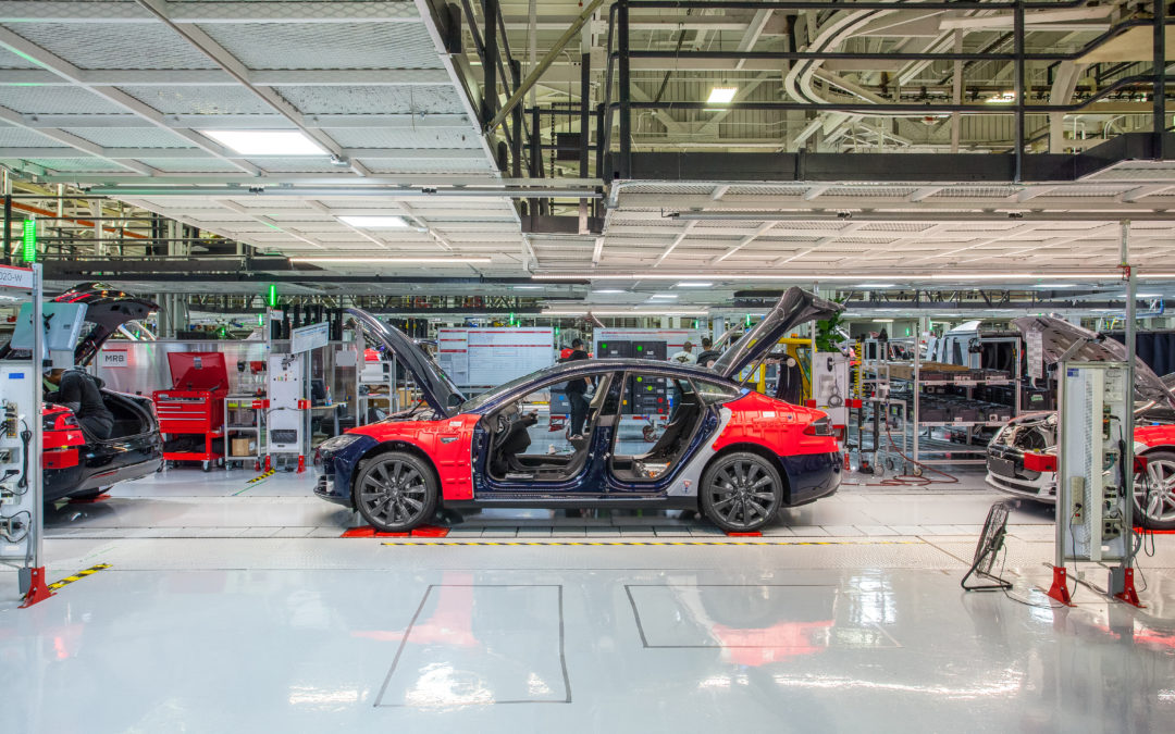 Auch Tesla legt wegen Corana Autofabrik still