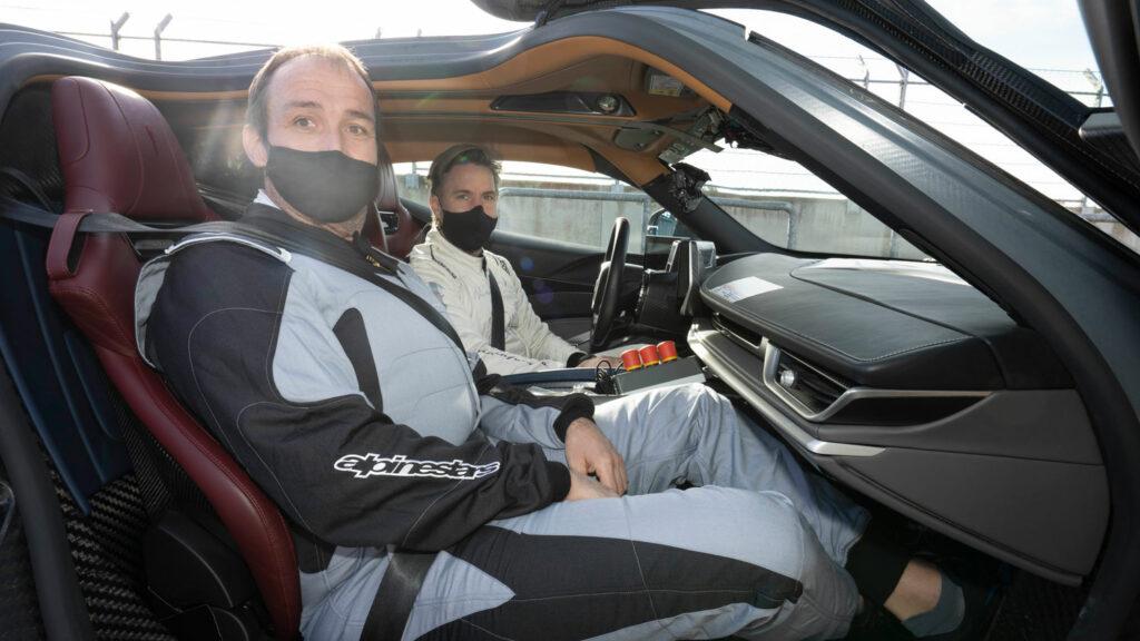 Autor Thomas Geiger im Pininfarina Battista. Am Steuer: Ex-Formel-1-Pilot Nick Heidfeld.