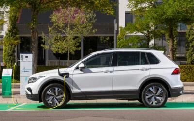 VW Tiguan eHybrid: Ein GTI mit Stromanschluss