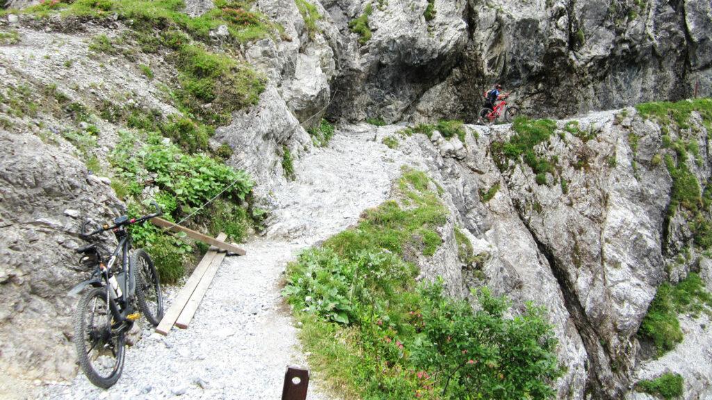 Steilwand-Traum  Fahren ist da kaum möglich, Schieben ist angesagt. Schon aus Sicherheitsgründen. Foto: Koch