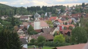 Blick über die Dächer der Gemeinde Wüstenrot im Landkreis Heilbronn
