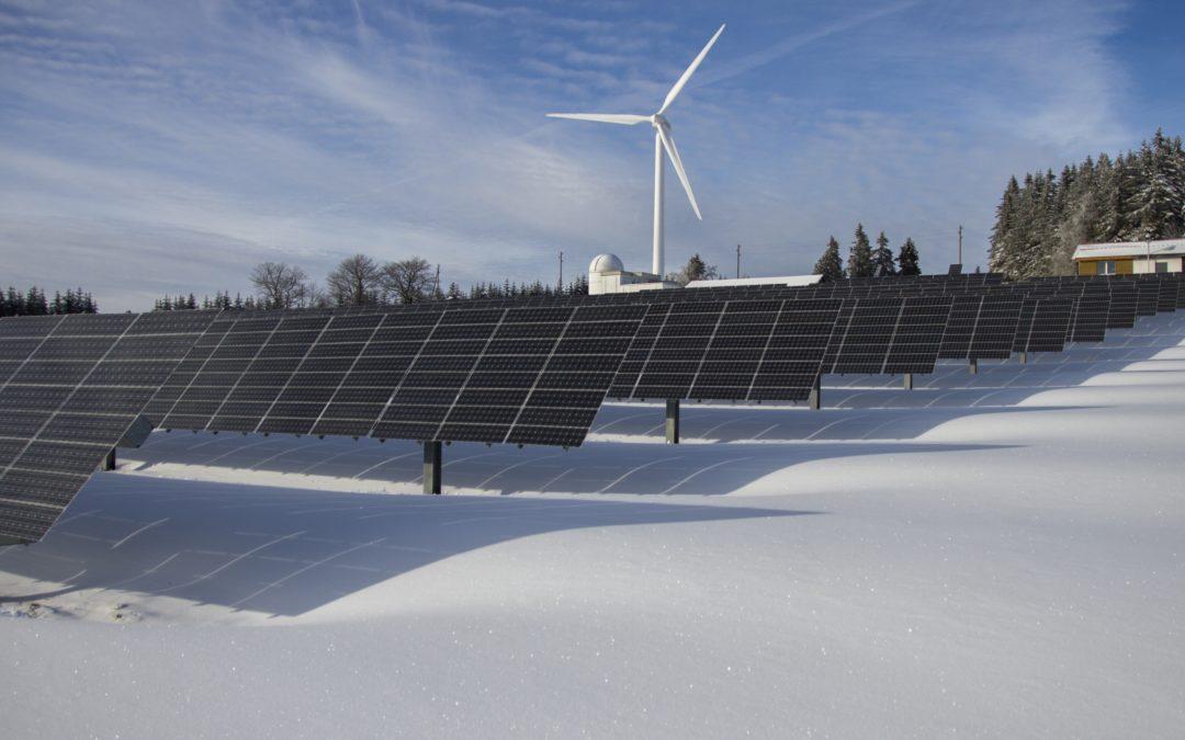 Sonne und Wind decken erstmals mehr als die Hälfte des deutschen Strombedarfs