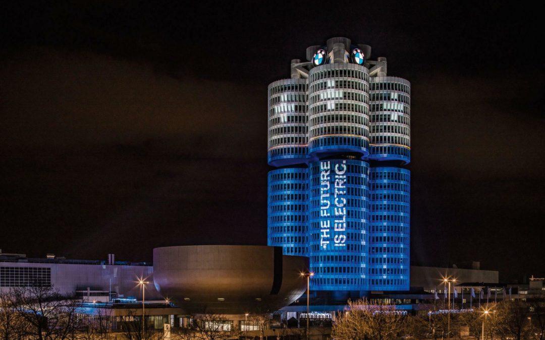 BMW feiert 100.000 Elektroautos in 2017