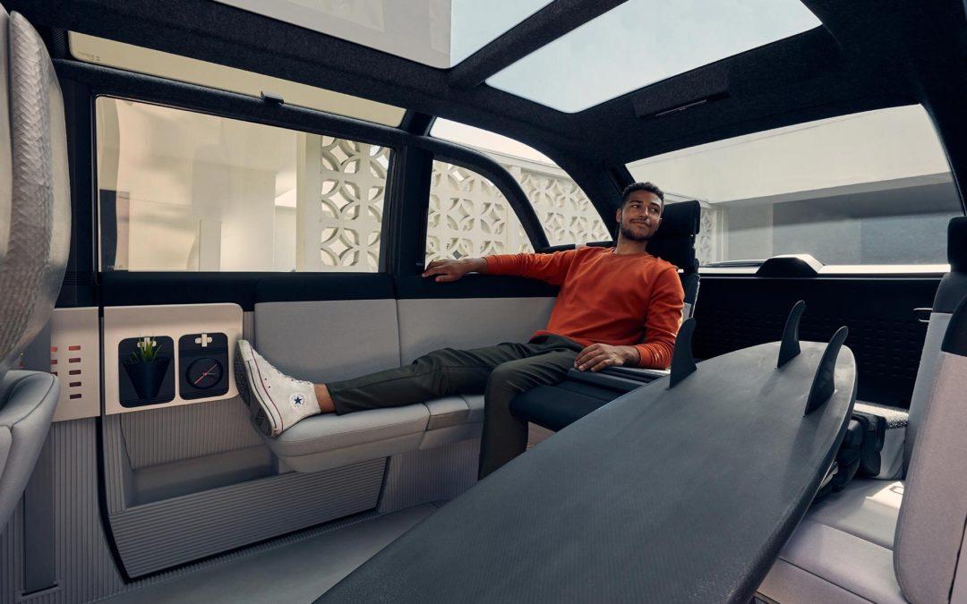 Hyundai fährt auf dem Skateboard in die Zukunft