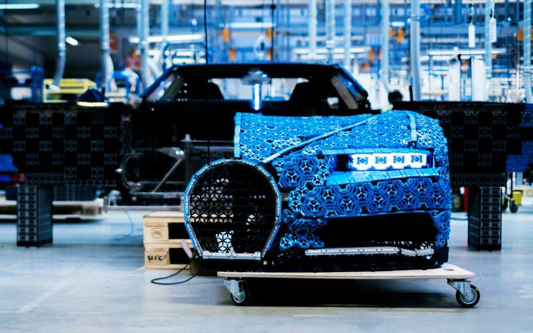 Bugatti Chiron aus Lego-Steinen fährt erste Testrunde