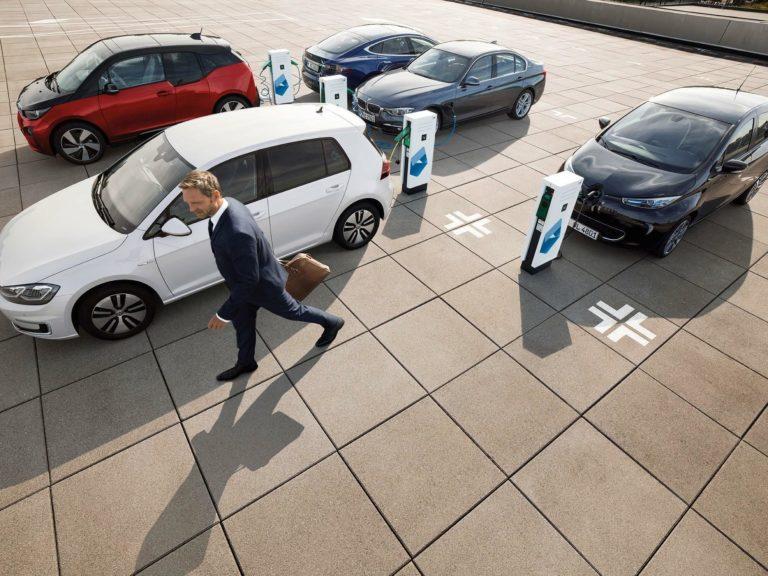 Stromer treiben den deutschen Automarkt