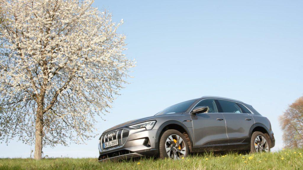 Ganz schön schwerDer Audi e-tron wiegt samt Batterie über 2,5 Tonnen. Das Gewicht und die große Stirnfläche der Karosserie treiben den Energieverbrauch des Elektro-SUV.