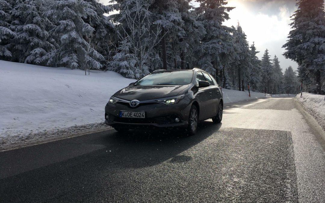 Toyota Auris: So schlägt sich der Hybrid im Wintertest
