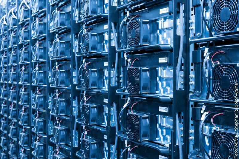 Gegen den Blackout: Not-Stromnetz mit Batterien