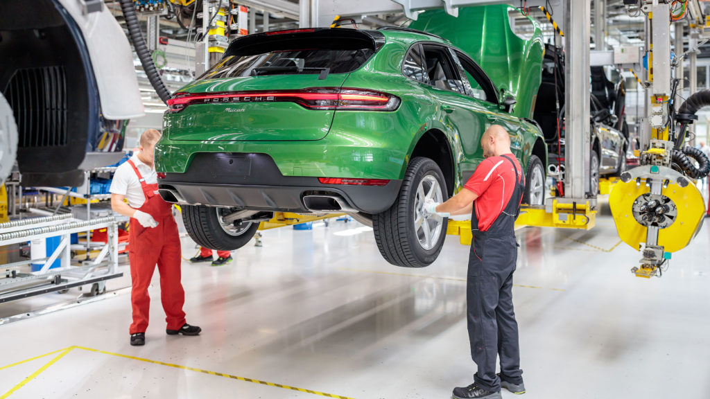 Fertigung des Porsche Macan in Lepzig.