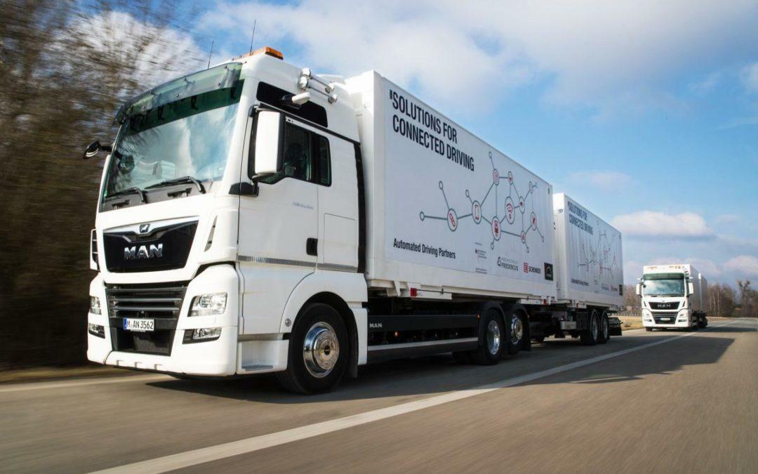 """""""Platooning"""": Erste Tests des vernetzten Lkw-Konvois"""