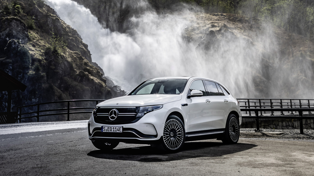 Lieferung schon nach acht Wochen: Der Mercedes EQC zählt zu den Elektroautos, die schnell verfügbar sind. Foto: Mercedes