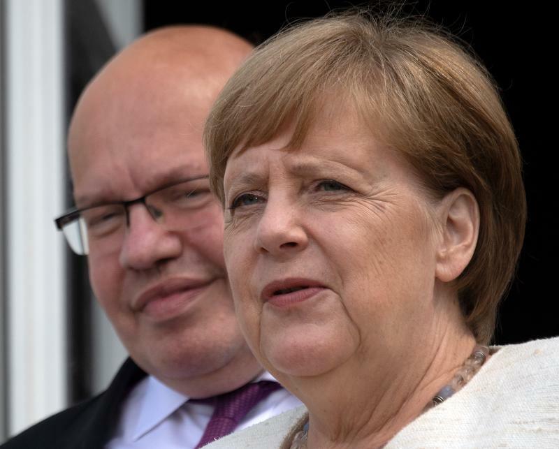 Merkel tastet sich in die Zukunft