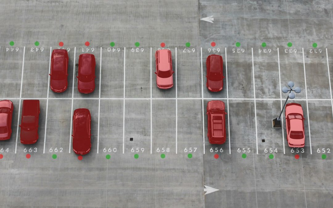 Künstliche Intelligenz sucht freie Parkplätze