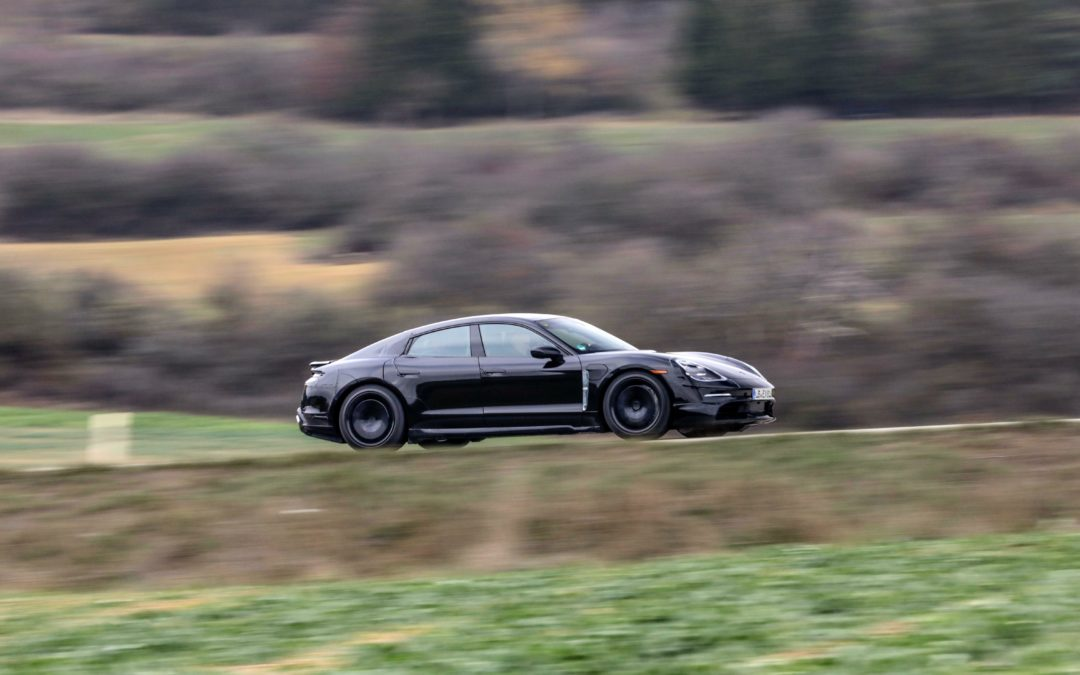 RobinTV E-News: Endspurt für den Porsche Taycan