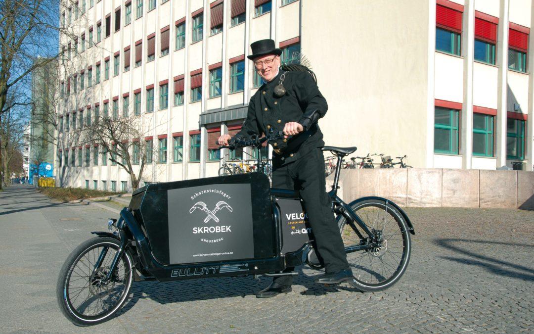 """Warum das Projekt """"Velogut"""" den Schornsteinfeger aufs Lastenrad setzt"""