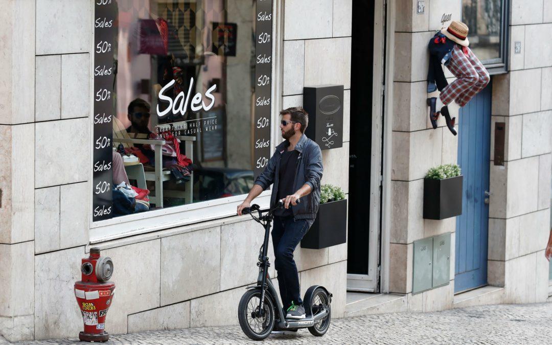 E-Scooter: Laden am Arbeitsplatz zu versteuern