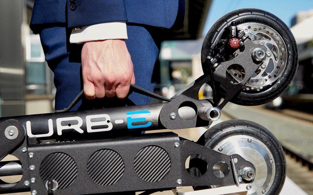 Faltbarer Elektro-Scooter mit Porsche-Gen