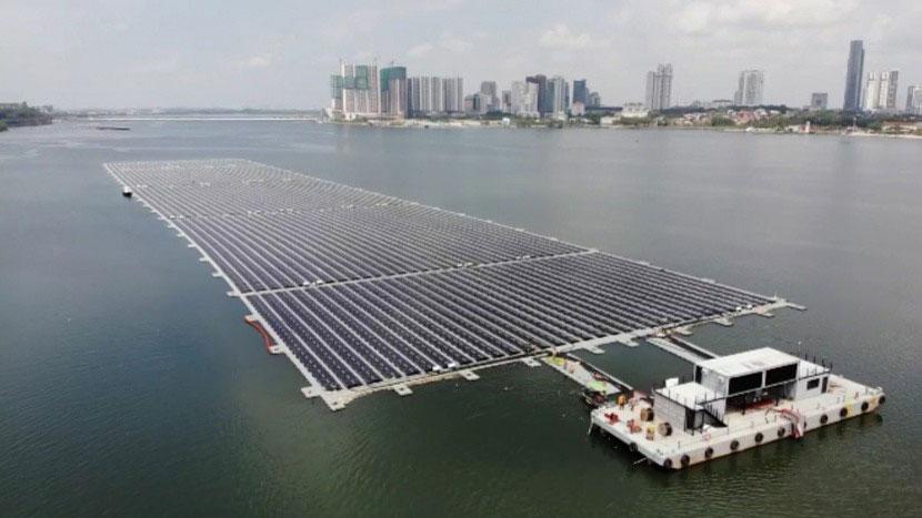 Schwimmendes Kraftwerk versorgt Singapur mit Strom