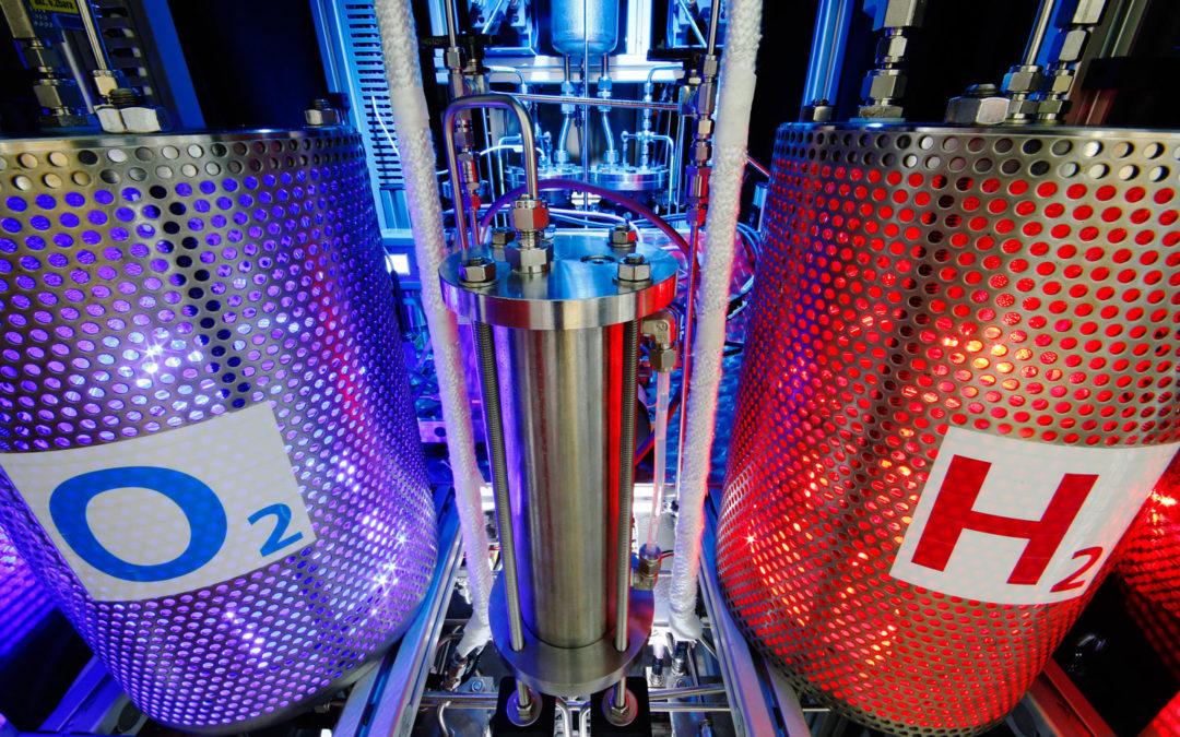 Öko-Sprit aus Wasserstoff: Rechnet sich das?