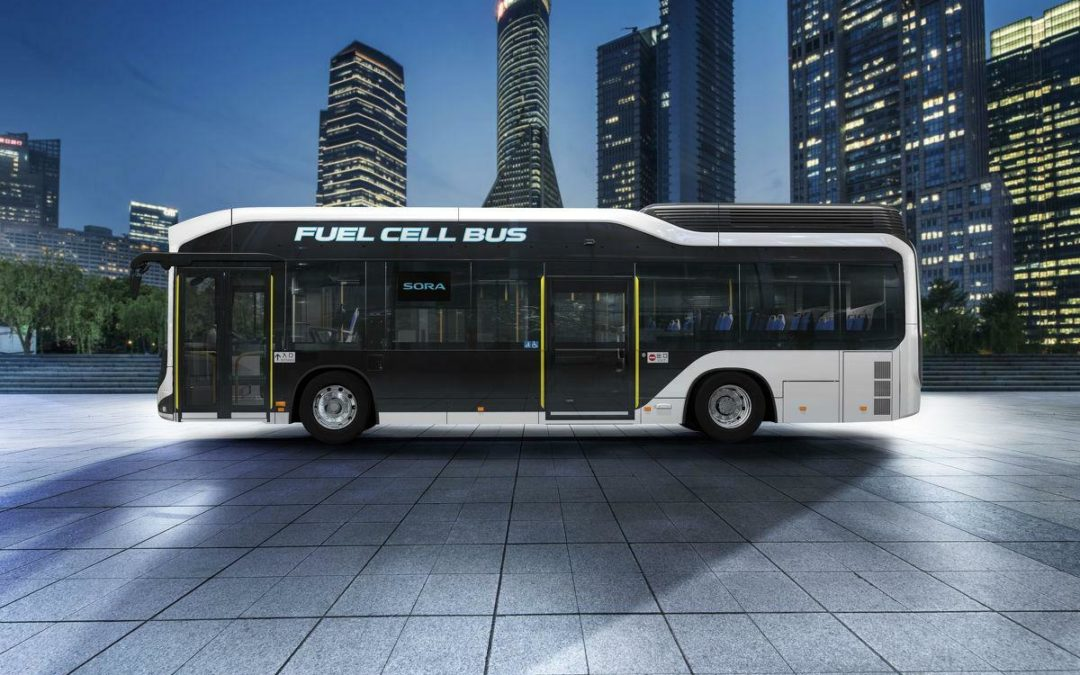 Bus-Antriebe: Batterie und Brennstoffzelle im Wettkampf